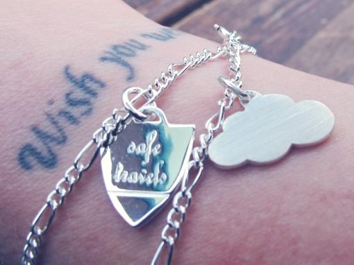 Runawaykiwi bracelets